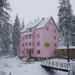 Small_hotel_140
