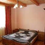 Small_room_310