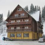 Small_hotel_482