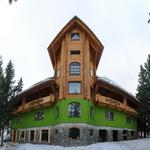 Small_hotel_641